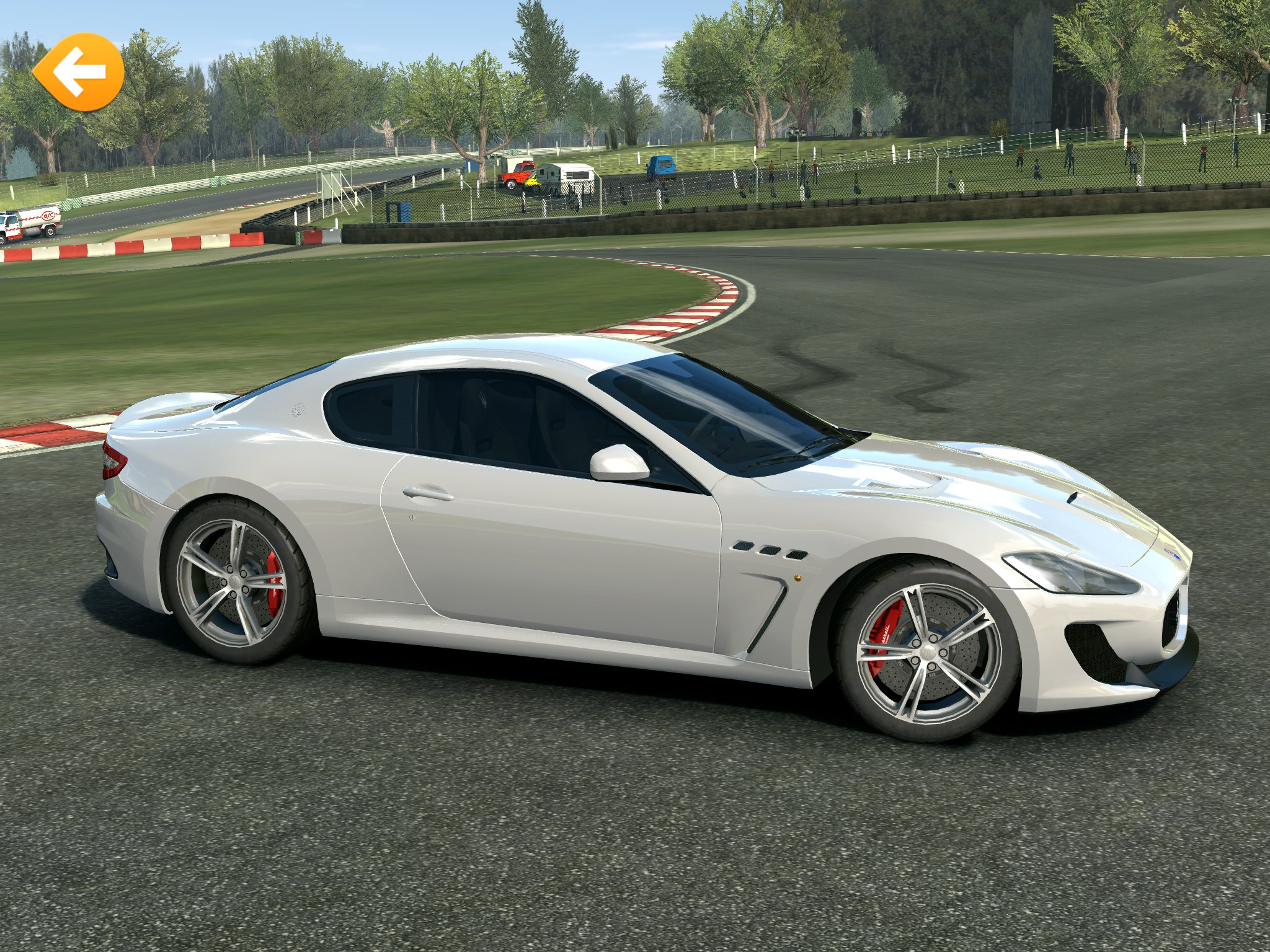 39 real racing 3 39 gets new maserati cars and the ferrari laferrari toucharcade. Black Bedroom Furniture Sets. Home Design Ideas